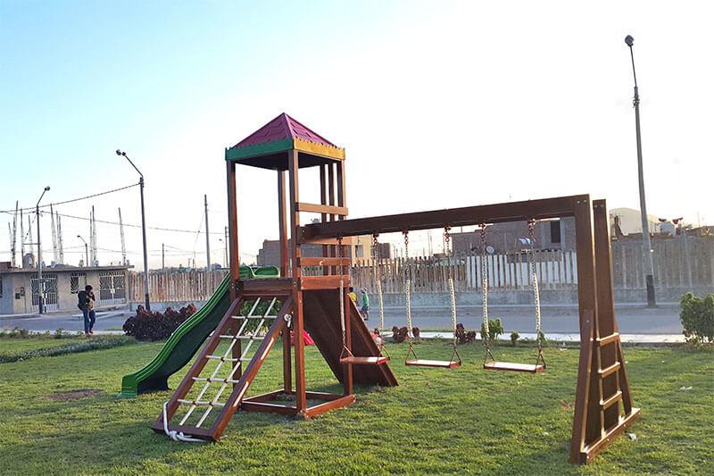 Parque con juegos para niños